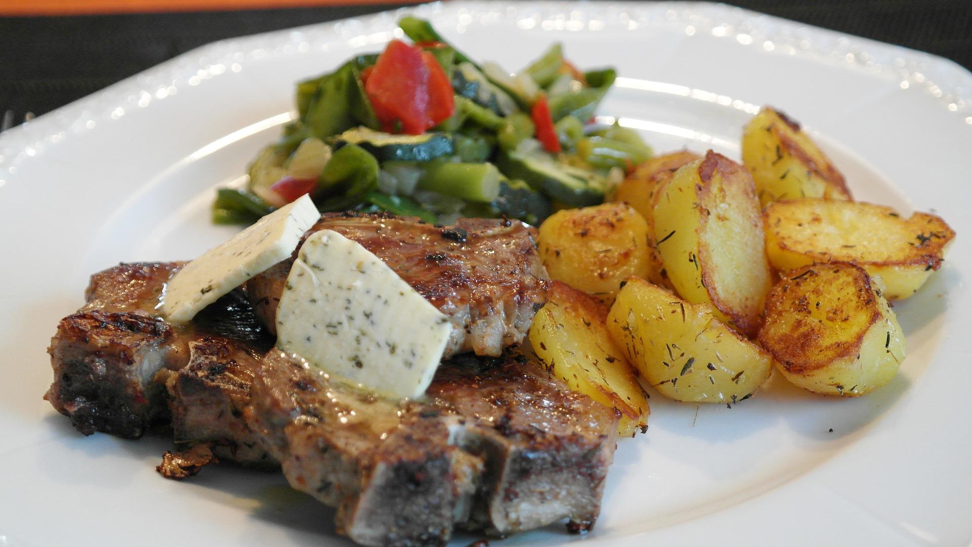 Serbian food, roast lamb
