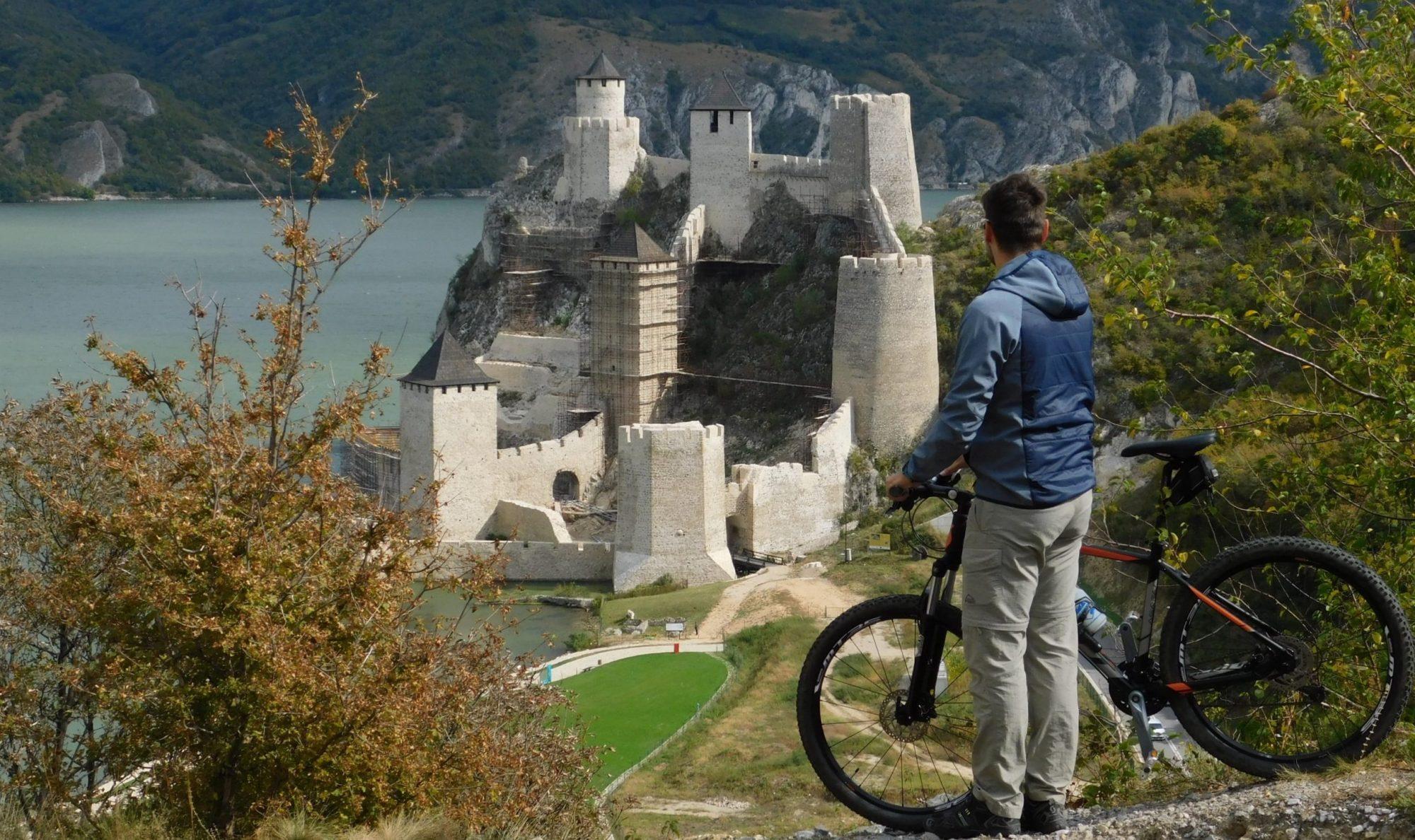 Golubački grad biciklizam