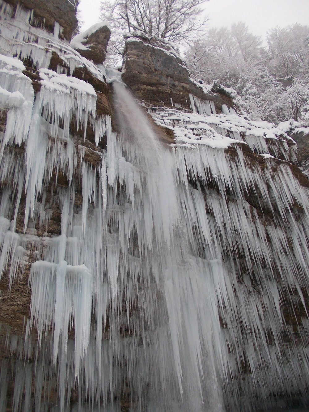 vodopad Tupavica Stara planina zima