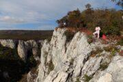 Lazarev kanjon hiking